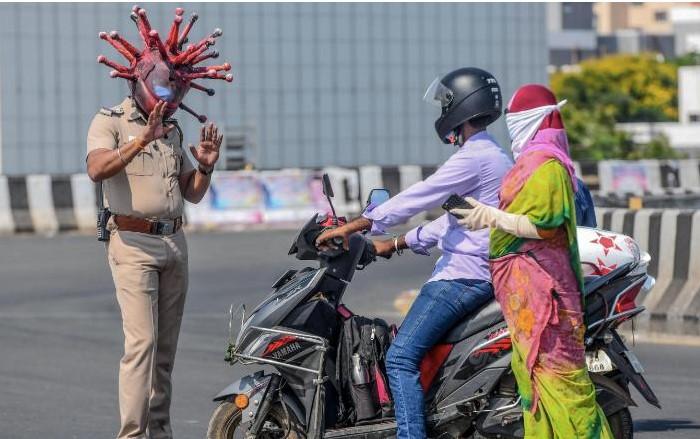 policia mascarado